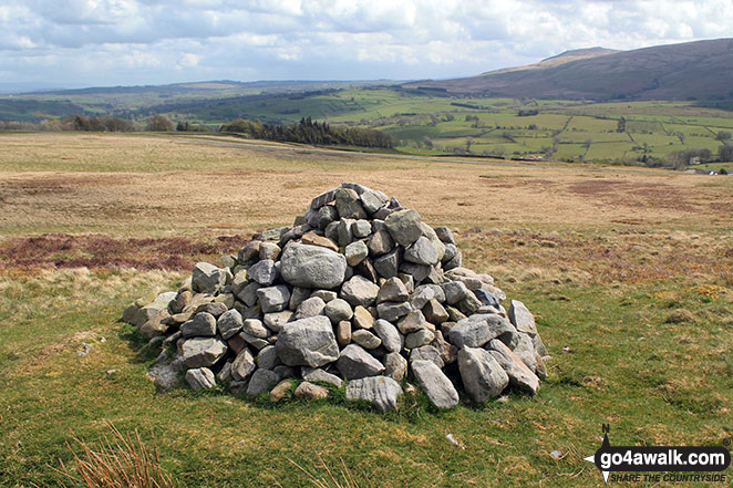Faulds Brow summit cairn