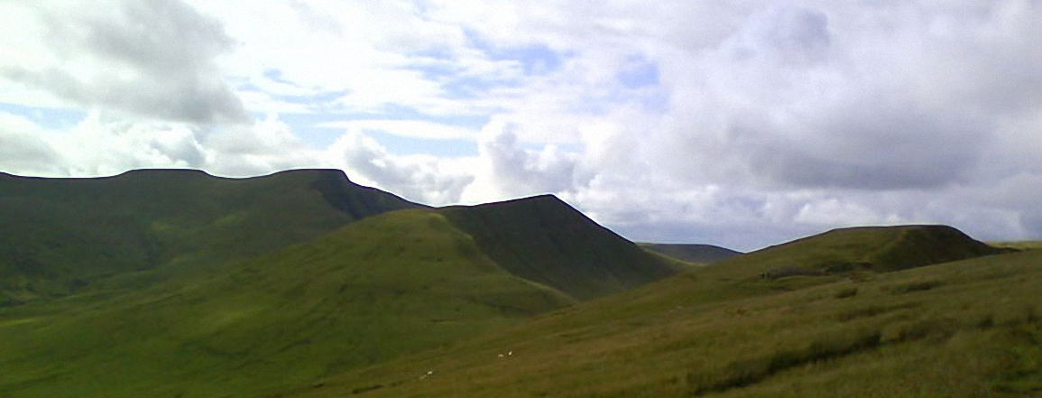 Corn Du, Pen y Fan, Cribyn and Fan y Big from Craig Cwareli
