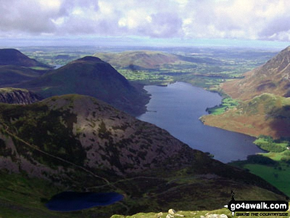 Bleaberry Tarn (bottom left), Mellbreak and Crummock Water  from High Stile