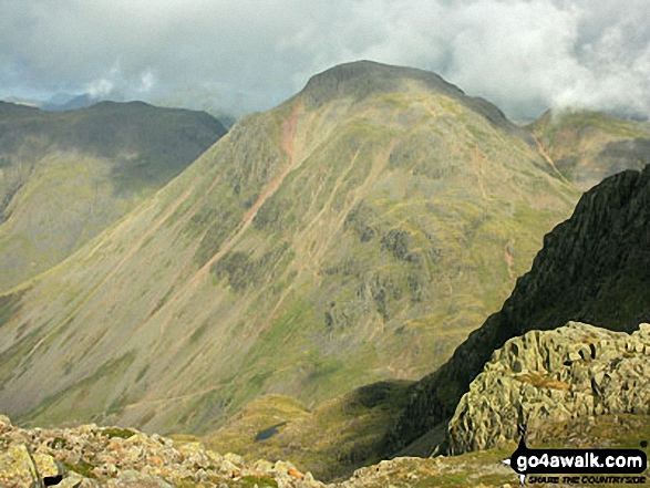An impressive looking Great Gable from near the summit of Broad Crag