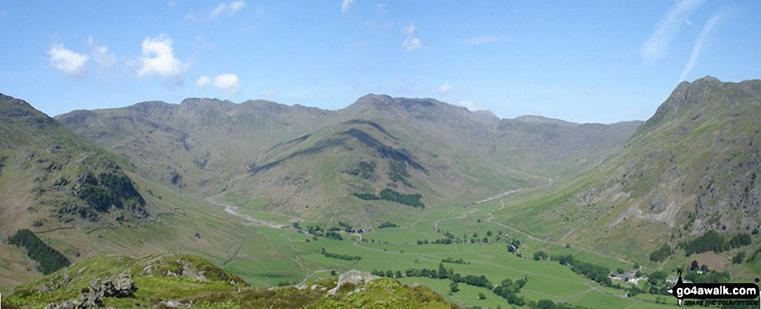 *Kettle Crag (left), Oxendale, The Band (centre - with Crinkle Crags (Crinkle Crags (South Top), Crinkle Crags (Long Top), & Gunson Knott) (top left) and Bow Fell (Bowfell) (top right), Mickleden and The Langdale Pikes from Side Pike