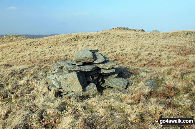 Cairn on Howes (Mosedale)