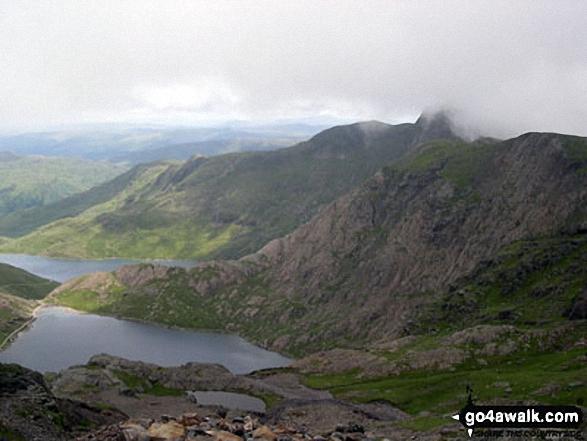 Glaslyn, Llyn Llydaw and Y Lliwedd from the Miners' Track near the summit of Snowdon (Yr Wyddfa). Walk route map gw136 The Snowdon (Yr Wyddfa) Horseshoe from Pen y Pass photo