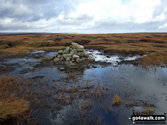Walk Picture/View: Kinder Scout summit cairn in The Peak District, Derbyshire, England by Ben Lockett (10)