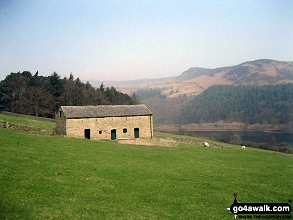 Barn near Crookhill Farm on the lower slopes of Crook Hill (Ladybower)