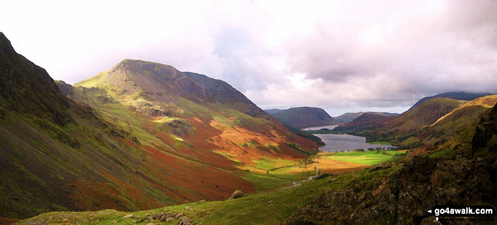 The flank of Hay Stacks (Haystacks), High Crag and High Stile (left), Mellbreak, Buttermere and Crummock Water (centre) with Grasmoor and High Snockrigg (right) from Fleetwith Pike