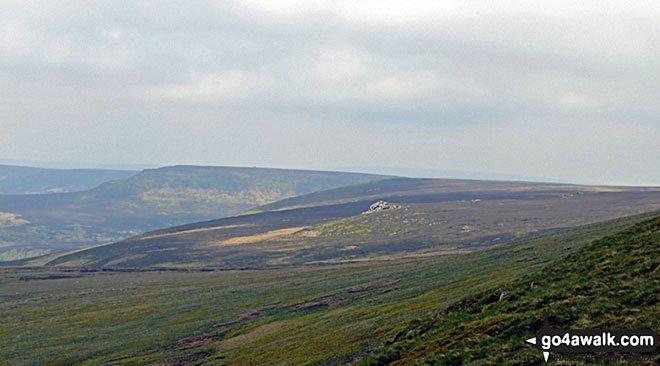 Howden Edge and the Crow Stones from Bull Clough at the northern end of Howden Reservoir