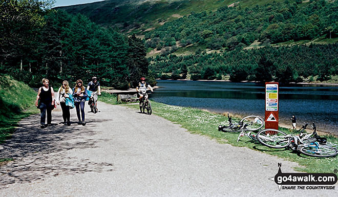 Walkers and Cyclists near the Kings Tree turning circle at the northern end of Howden Reservoir