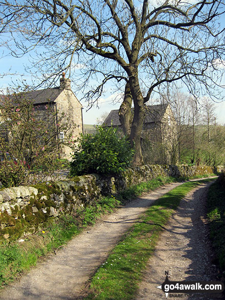 Passing through Villa Farm near Warslow