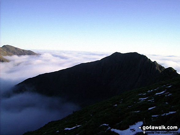 Cnicht (left) and Y Lliwedd poking through a Temerature Inversion seen from Crib Goch