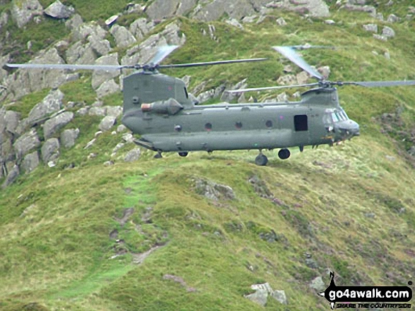 Chinook Helipcopter landing astride the Bwlch Eryl Farchog ridge