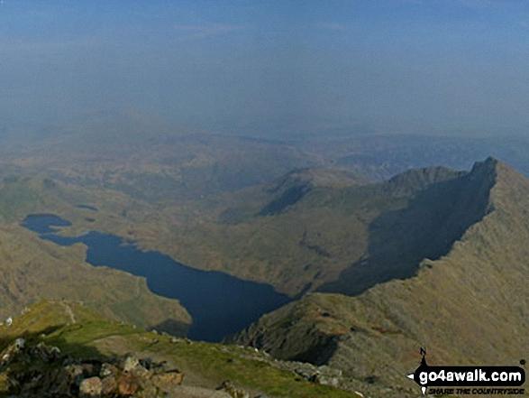 Llyn Llydaw and Y Lliwedd from the summit of Snowdon (Yr Wyddfa). Walk route map gw158 Snowdon, Moel Cynghorion, Foel Gron and Moel Eilio from Llanberis photo