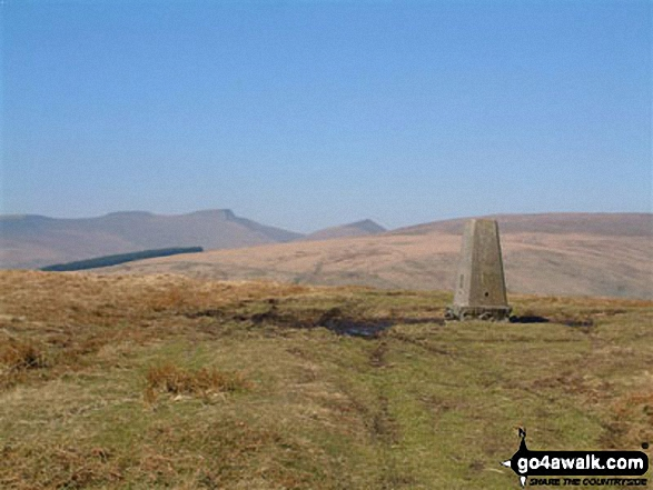 Walk Pant y Creigiau walking UK Mountains in The Black Mountains The Brecon Beacons National Park Powys    Wales