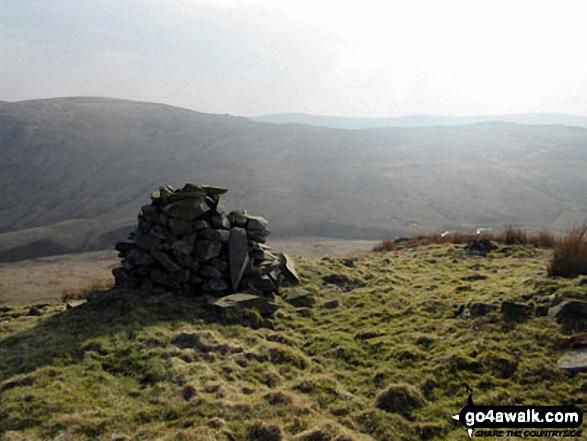 Walk c322 The Crookdale Round - Robin Hood (Crookdale) summit cairn