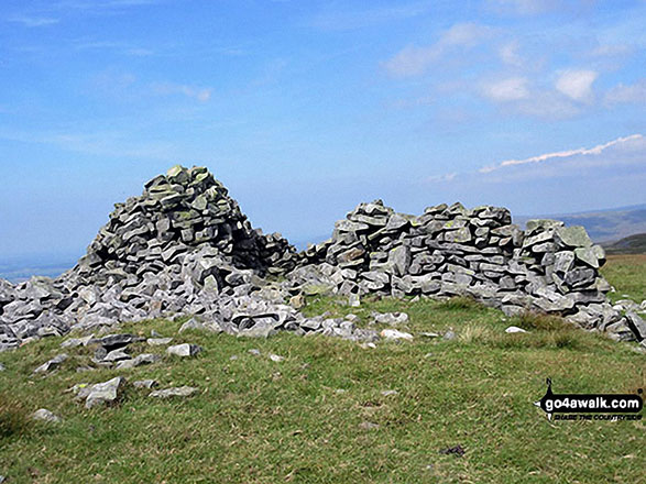Melmerby Fell Summit Cairn. Walk route map c430 Cuns Fell, Melmerby Fell and Fiend's Fell from Melmerby photo