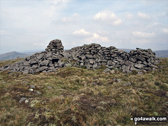 Roman Fell summit cairn and shelter