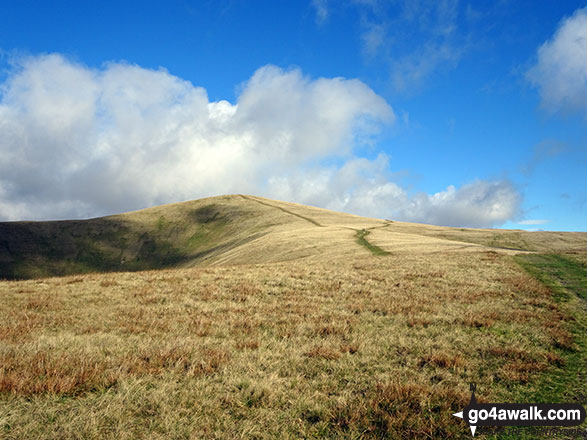 The onward path from Winder Hill to Arant Haw