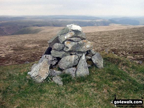 Carreg yr Ast summit cairn
