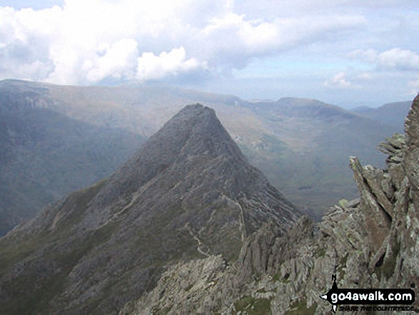 Walk Tryfan walking UK Mountains in The Glyders (or Glyderau) Area Snowdonia National Park Conwy    Wales