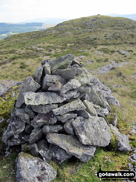 Manod Bach's twin summit cairns