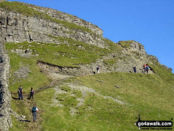 Following the Pennine Way up the South ridge of Pen-y-ghent