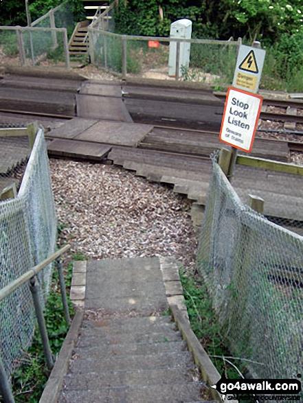 Walkers' Railway Crossing near Lidsey Lodge Farm