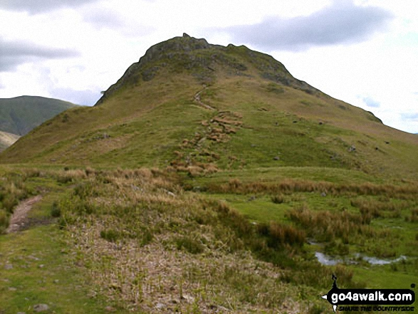 Approching Helm Crag