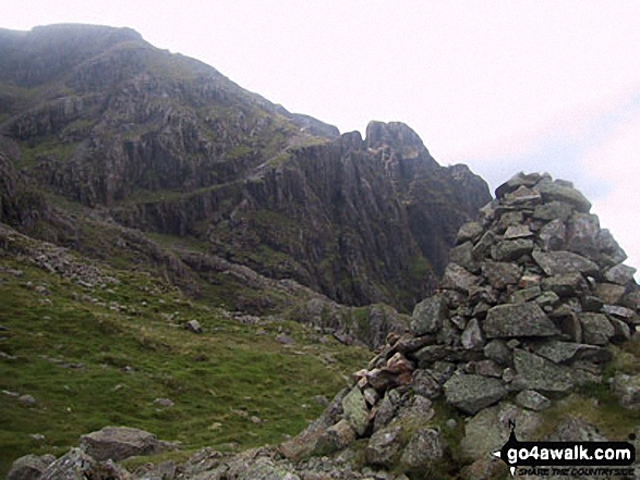 Robinson's Cairn with Pillar Rock beyond (left of the cairn and to right of the 'notch')