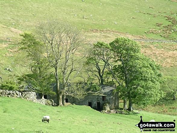 Barn below Brockle Crag