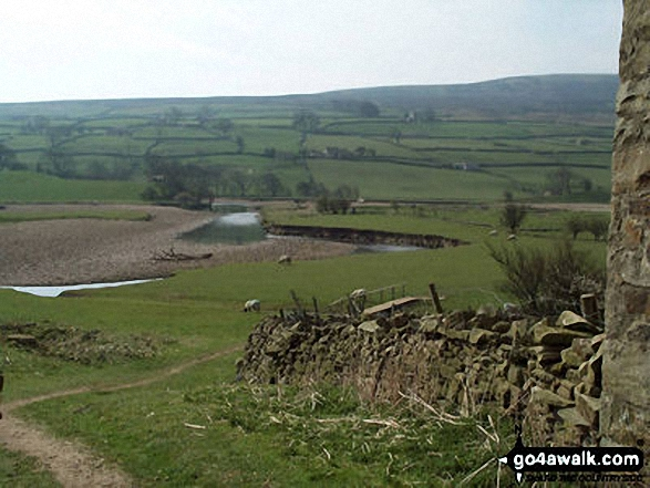 River Swale nr Reeth. Walk route map ny157 High Harker Hill and Greets Hill from Reeth photo