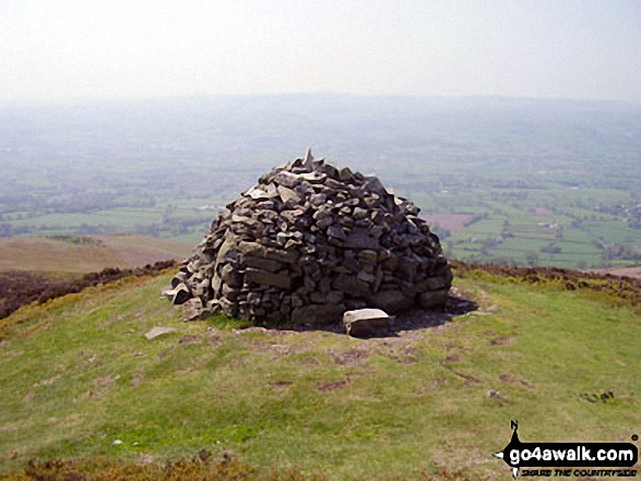 Walk fl155 Moel Famau and Cilcain - The smaller beacon or cairn on the summit of Moel Dywyll<br> on The Offa's Dyke Path