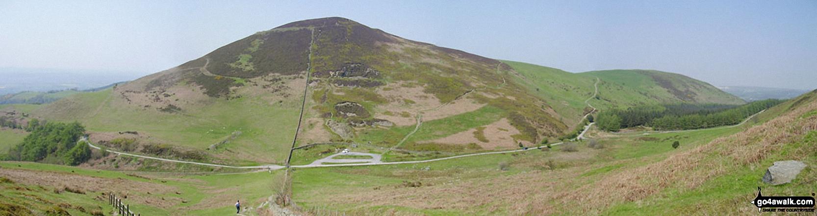 Walk dn112 Moel Famau and Moel Dywyll from Moel Famau Country Park - Moel Arthur from the summit of Moel Llys-y-coed<br> on The Offa's Dyke Path