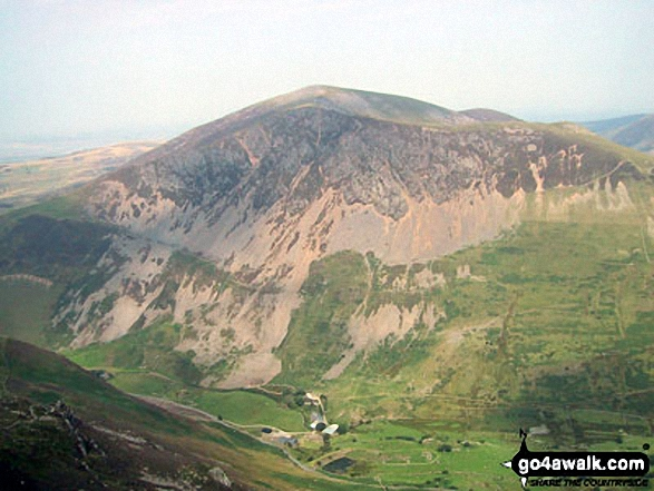 Mynydd Mawr (Llyn Cwellyn) above Craig y Bera from Y Garn (Moel Hebog)