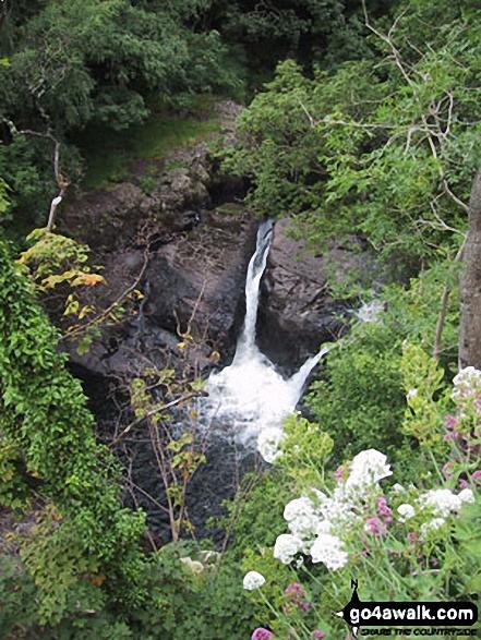 Cyfyng Falls, Pont Cyfyng. Walk route map cw180 Carnedd Moel Siabod, Y Foel Goch and Gallt yr Ogaf from Pont Cyfyng, Capel Curig photo