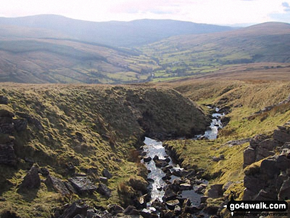 Dentdale with Whernside (left) Calf Top (centre) and Aye Gill Pike (right) from Great Knoutberry Hill (Widdale Fell)