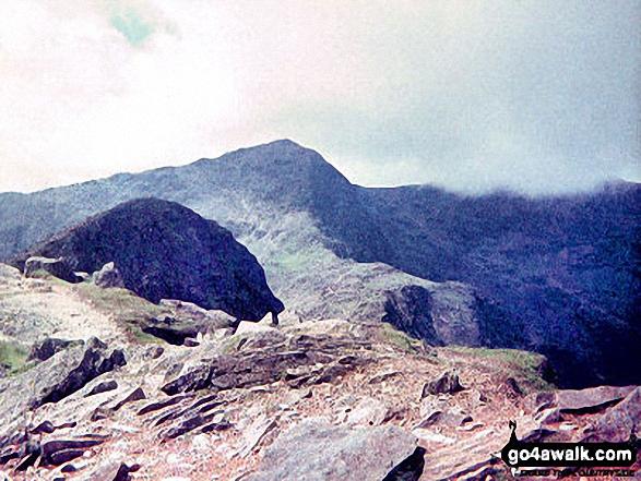 Snowdon (Yr Wyddfa) from Y Lliwedd. Walk route map gw136 The Snowdon (Yr Wyddfa) Horseshoe from Pen y Pass photo