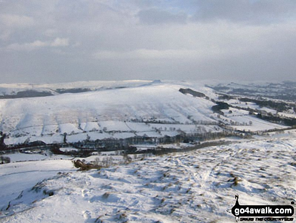 Winhill Pike (Win Hill) and the River Noe Valley from Lose Hill (Ward's Piece) under a blanket of heavy snow