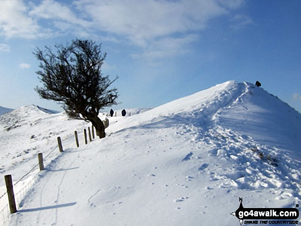Deep snow on the ridge between Back Tor (Hollins Cross) and Hollins Cross
