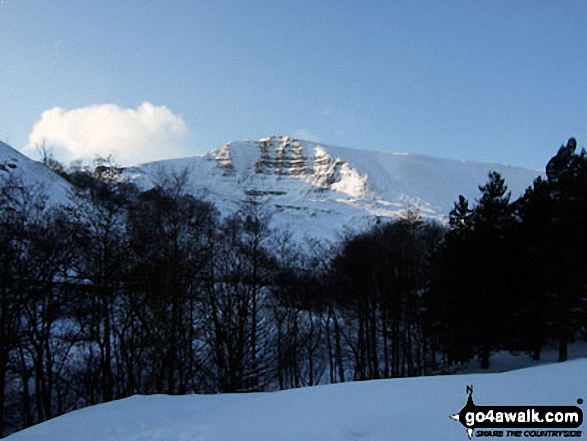 Mam Tor from Castleton. Walk route map d123 Mam Tor via Cavedale from Castleton photo