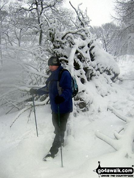 'Mozzer' Morris on Winhill Pike (Win Hill) in heavy snow