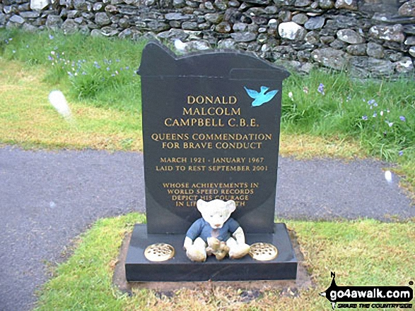 Donald Campbell's Grave, Coniston. Walk route map c400 Beacon (Blawith Fells) and Yew Bank from Brown Howe photo