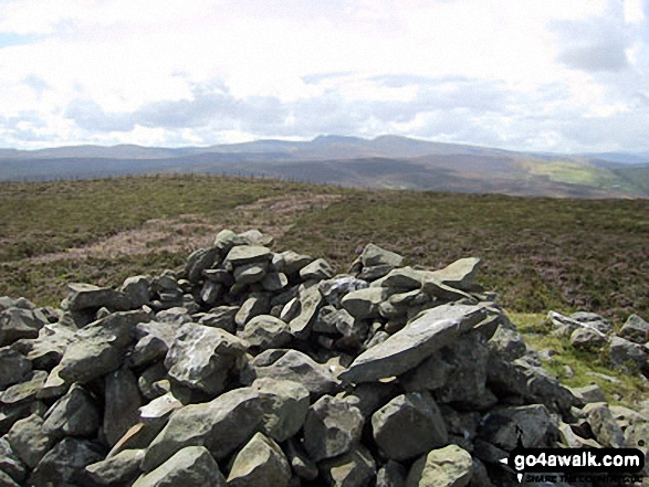 Walk Moel Fferna walking UK Mountains in The Berwyns Snowdonia National Park*<br> Denbighshire    Wales