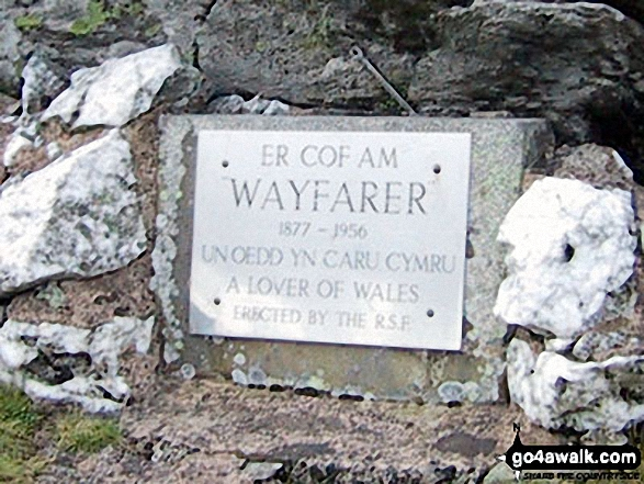 Wayfarer Memorial on the summit of the Pen Bwlch Llandrillo pass. Walk route map dn127 Pen Bwlch Llandrillo Top and Cadair Bronwen from Llandrillo photo
