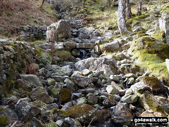 Stone bridge across Nant Cadair on the Minffordd Path
