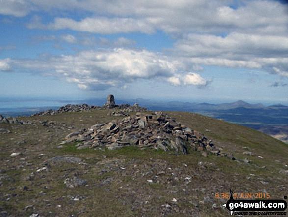 Moel Hebog summit plateau and trig point
