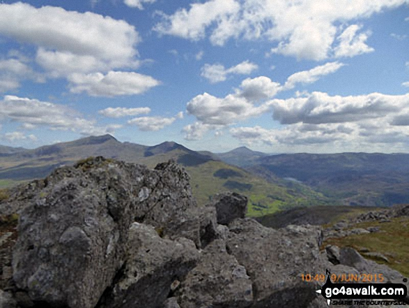 Mynydd Tal-y-mignedd (left) and Mynydd Drws-y-coed with Moel Eilio (right, in the distance) from the cairn on the summit of Moel Yr Ogof