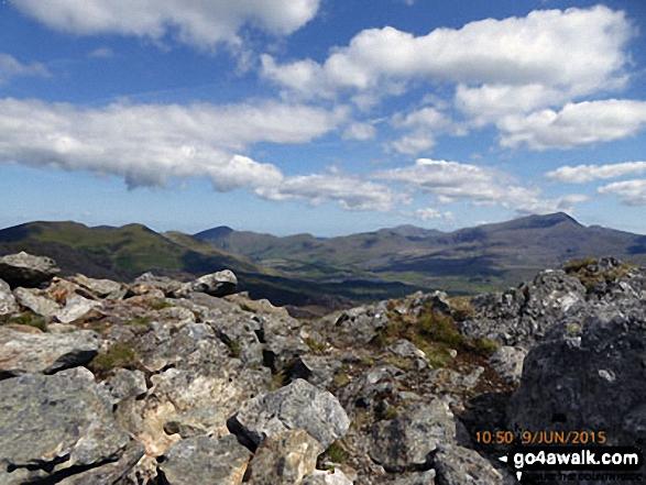 Mynydd Tal-y-mignedd and Mynydd Drws-y-coed (left) with Moel Eilio (in shadow), Foel Gron, Moel Cynghorion and Snowdon (Yr Wyddfa) from the cairn on the summit of Moel Yr Ogof