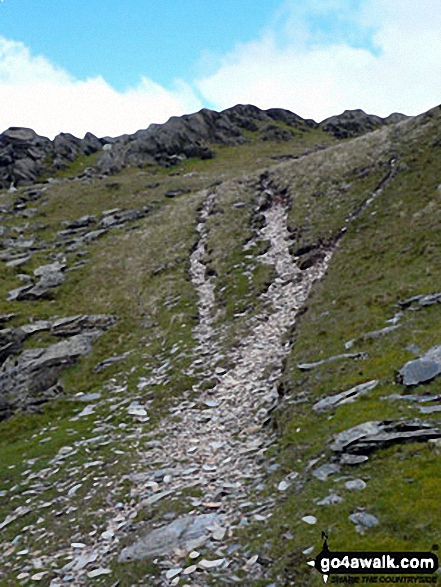 Approach path up Ysgafell Wen