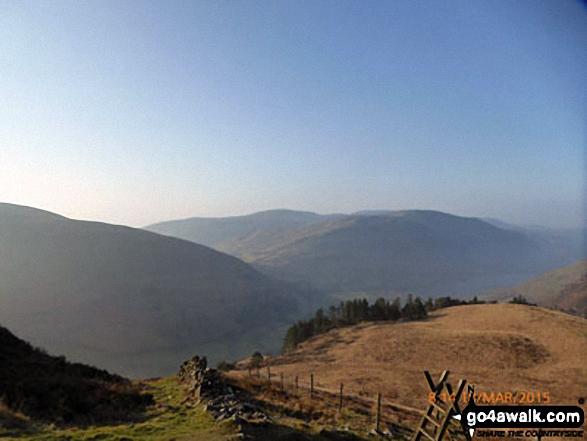 Ceiswyn (Minffordd) (left), Mynydd Braich-goch and Graig Goch (Tal-y-llyn) from Mynydd Moel path above Nant Cadair