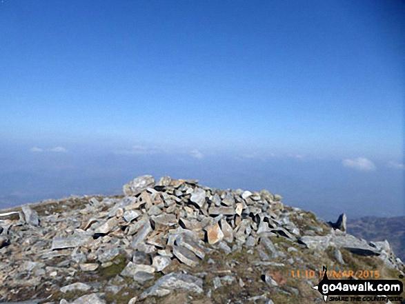 Cyfrwy summit cairn
